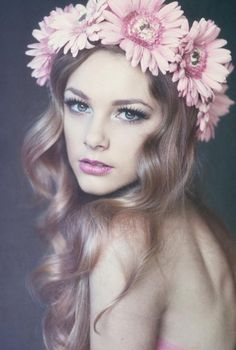 Kayla Giles: Flower Crown #Lockerz