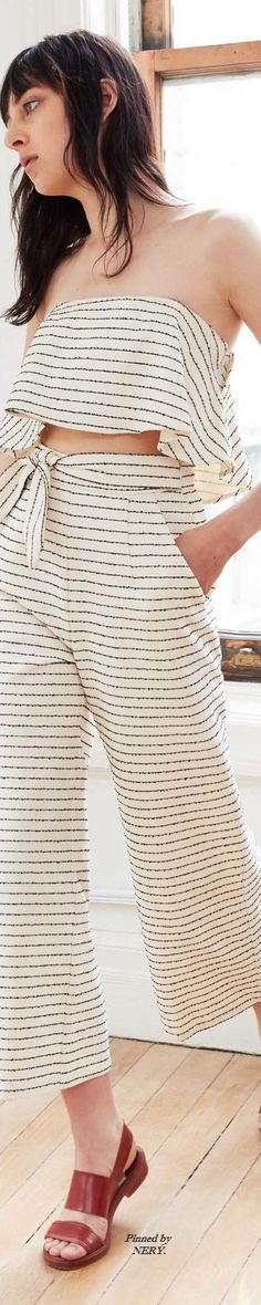 Mara Hoffman Resort 2017 (striped crop top and high waist pants) Fashion 2017, Love Fashion, Fashion Looks, Fashion Outfits, Street Fashion, Fashion Design, Derby Dress, Resort 2017, Mommy Style