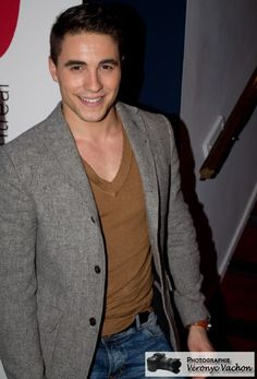 Olivier Dion Marc Dupré, Blazer, Stars, Jackets, Fashion, Rocket Launch, Songs, Handsome Guys, Artists
