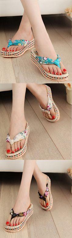¿Estas buscando un estilo nuevo de #sandalias? Te presentamos estas sandalias con plataforma, encuéntralas en nuestro sitio.