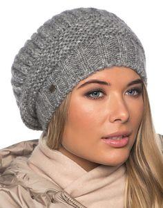 Женские зимние шапки 2016 Hand Knitted Sweaters, Knitted Hats, Crochet Baby Hats, Knit Crochet, Beanie Hats For Women, Chunky Knitting Patterns, Warm Winter Hats, Girls Hand, Knitting Accessories