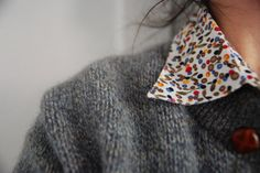 Floral collar - grey cardigan - leather buttons