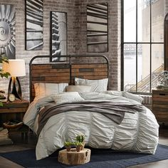 Featuring multicolored wood panels for a rustic look, this INK+IVY Renu queen headboard is sure to complement your bedroom's industrial style. Industrial Bedroom Furniture, Industrial Bedroom Design, Interior Design Books, Bedroom Furniture Stores, Industrial Interiors, Online Furniture, Design Bedroom, Bedroom Inspo, Bedroom Ideas