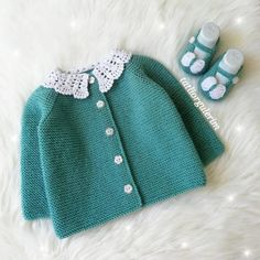 30 Easy and Cozy Baby Room Ideas & Baby Clothes & Cute Baby - Baby Ideen Knitting For Kids, Loom Knitting, Knitted Headband, Knitted Hats, Knit Fashion, Runway Fashion, Knit Skirt, Baby Shop, Baby Dress