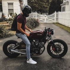 Bike Discover Custom Motorcycles Gear and News Yamaha Cafe Racer, Virago Cafe Racer, Yamaha Virago, Yamaha 250, Honda Cb750, Ducati, Cafe Racer Motorcycle, Moto Bike, Girl Motorcycle