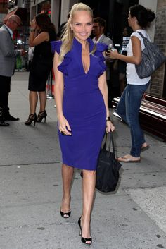 "Kristin Chenoweth 4'11""  Juia says"" Wow,colour block works well on petite girls -  make a bold statement """
