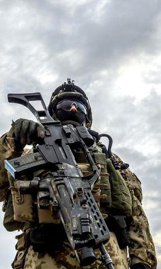 Soldado e seu fuzil