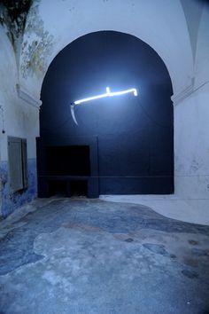 Light, di Kader Attia, fotografato da Francesca Speranza a Palazzo Gargasole