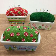 These mini loaf pans aren& just for cooking, turn one into a adorable pincushion! Find all your supplies for the Mini Loaf Pan Pincushion @ Craft Warehouse Small Sewing Projects, Sewing Hacks, Craft Projects, Sewing Kits, Sewing Ideas, Fabric Crafts, Sewing Crafts, Sewing Accessories, Sewing Patterns Free
