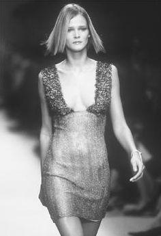 Rifat Ozbek, spring 2001 collection. © Fashion Syndicate Press.