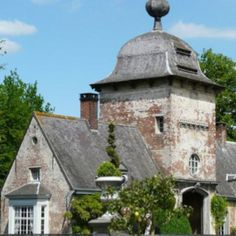 Axel Vervoordt's castle 's Gravenwezel Belgium Europe French Architecture, Classical Architecture, Architecture Design, Beautiful Interiors, Beautiful Homes, European Style Homes, Rustic French Country, Les Continents, Brick Texture