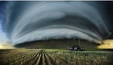 Storm chasing in Saskatchewan, - Canada - tornado All Nature, Science And Nature, Amazing Nature, Weather Cloud, Wild Weather, Tornados, Thunderstorms, Supercell Thunderstorm, Cool Pictures