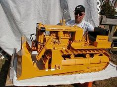 Check out this incredible Cat model built by Don Campbe...