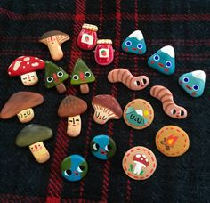 Just added to my etsy, some more handmade pins~ Cute Polymer Clay, Cute Clay, Polymer Clay Charms, Diy Clay, Clay Crafts, Diy And Crafts, Arts And Crafts, Photos Originales, Clay Art Projects