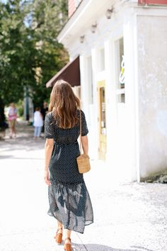 Look Closely Or You Might Miss Out On This Block Of Downtown Charleston - Condé Nast Traveler Marble City, Leotard Fashion, Body Top, Frocks, Short Sleeve Dresses, Lifestyle, Womens Fashion, Travel Ideas, Travel Guide