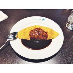 "merci on Instagram: "". . #2020 #food #lunchtime #yummy #kobe #motomachi #omeletterice #good #my_eosm10 #instagood #egg #ランチ #神戸グルメ #兵庫 #洋食 #カメラ女子 #グリル一平 #洋食屋…"" Yummy Yummy, Instagram, Breakfast, Food, Morning Coffee, Essen, Meals, Yemek, Eten"