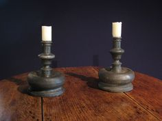 A PAIR OF 17TH CENTURY PEWTER CANDLESTICKS. CIRCA 1680. ~♥~