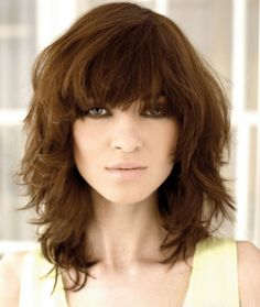 Top 20 Medium Layered Haircuts for Curly Hair. Medium Layered Haircuts with Bangs. Medium Haircuts With Bangs, Medium Layered Haircuts, Medium Hair Cuts, Hairstyles With Bangs, Medium Hair Styles, Layered Hairstyles, Haircut Medium, Modern Hairstyles, Hairstyles 2016