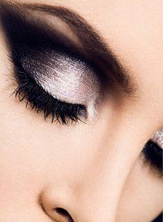 Perfect Smokey Eye..... White lily, crystalline, sweet plum, silver satin, coal