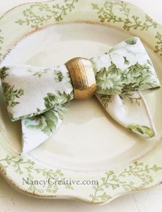 The Bow Fold...a great napkin-folding idea!