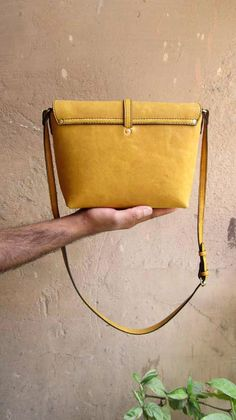 Mustard Little Stella, Chiaroscuro, India, Pure Leather, Handbag, Bag, Workshop Made, Leather, Bags, Handmade, Artisanal, Leather Work, Leather Workshop, Fashion, Women's Fashion, Women's Accessories, Accessories, Handcrafted, Made In India, Chiaroscuro Bags - 12