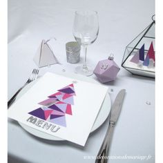 Décoration de table de Noël moderne géométrique idées menu noel en sapin  #diynoel