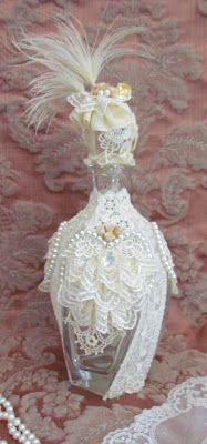 Beautiful lace covered perfume bottle #bottles #perfume #crafts
