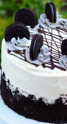 Oreo Cake - How an oreo cheesecake should be decorated