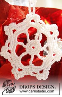 "Crochet DROPS star for Christmas in ""Cotton Viscose"". ~ DROPS Design"
