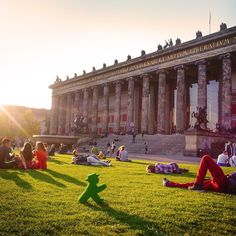Summer in #Berlin >> Lustgarten :D #LittleGreenMan #AmpelmannWorld #FollowAmpelmann #ampelmannLifestyle