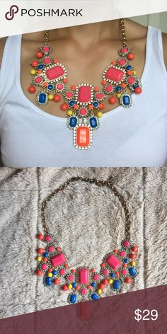 Statement necklace. Minor fading on the part of the chain that's on the back of the neck. Not noticeable when worn tho. Great piece!! Jewelry Necklaces