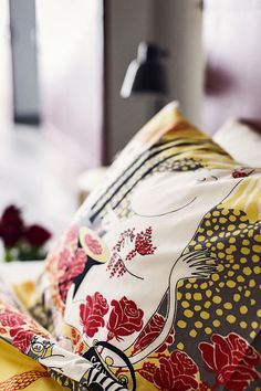 City Scene, Moomin, Blooming Flowers, Home Pictures, Spring Home, Your Favorite, Duvet Covers, Textiles, Pattern