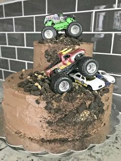 25 New Ideas monster truck birthday party ideas decoration baby shower Festa Monster Truck, Monster Truck Birthday Cake, Monster Trucks, Monster Truck Cakes, Monster Jam Cake, Monster Party, 3rd Birthday Parties, Boy Birthday, Birthday Ideas