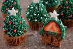 Aardbeien-Kerstboomcupcakes