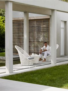 Designed to inspire, the Kingston Sunchair has a characteristic open white weave that reflects the best in Scandinavian design and the ultimate in quality synthetic fibres for outdoor conditions. A giant curved high back makes a luxurious resort style statement and comes complete with plush all weather cushions. Co-ordinate with other cane-line white furniture for a directional modern aesthetic. Features      Kingston Sunchair is hand-woven with great care from unique solution-dyed hard ...