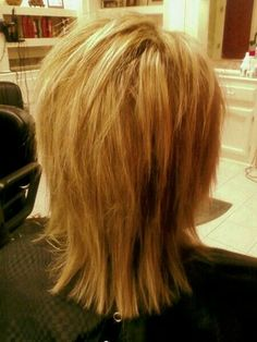 Heavy blonde highlights and razor cut shag on fine, straight, medium density hair. The highlights and razor cut give Sissy's hair extra volume. Medium Shaggy Hairstyles, Shaggy Haircuts, Short Haircut, Hairstyles Haircuts, Straight Hairstyles, Razor Cut Hairstyles, Razor Haircut, Layered Haircuts, Stacked Hairstyles