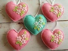These wool felt heart ornaments are the perfect gift for Valentine's day. A gift of love or appreciation. This could also be a perfect Wedding decor or a lovely Wedding favor gift. Valentine Day Crafts, Easter Crafts, Valentines, Felt Decorations, Valentine Decorations, Easy Felt Crafts, Fabric Hearts, Felt Embroidery, Heart Crafts