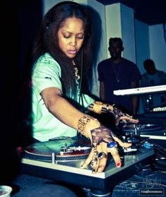 Erikah Badu?! // I don't even need to hear the music to know she is rocking it.