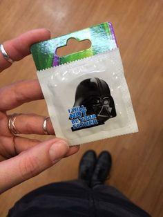 """El condón que evita el: """"Yo soy tu Padre"""""""