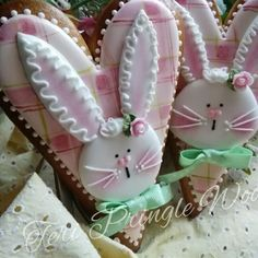 Easter Cookies-Fluffy - rabbit in pink plaid. Fancy Cookies, Iced Cookies, Cute Cookies, Holiday Cookies, Cupcake Cookies, Sugar Cookies, Easter Cupcakes, Easter Cookies, Easter Treats