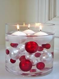 jumbo water beads with floating candles makes an elegant table centrepiece