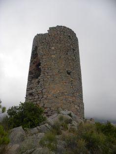La torre albarrana del Castell de Montornés Water Tower, Portugal, Castle, Building, Travel, Towers, Castles, Cities, Hipster Stuff