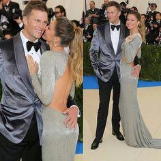 WEBSTA @ sitefamosando - Aquele casal que a gente respeita! Gisele Bunchen e Tom Brady no red carpet do Met Gala 2017 @gisele @tombrady #tombrady #giselebundchen #metgala2017 #gala #casal #look #vestido