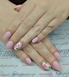 #nails #nailart #onestrokeflowers #beautymakesyouhappy