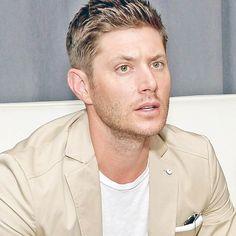 A simply Gorgeous man. Jensen Ackles. <3