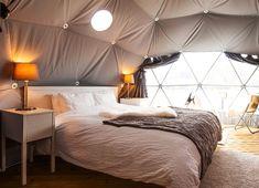 15 unike opplevelser du bør sjekke ut Leopard Bedding, Roof Beam, Go Glamping, Beach Tent, Dome Tent, Dome House, Geodesic Dome, Rafting, Renting A House