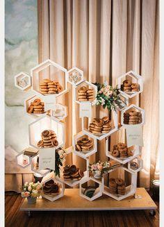 Wedding donuts - 20 Super Sweet Wedding Dessert Display and Table Ideas – Wedding donuts Wedding Appetizers, Wedding Desserts, Our Wedding, Dream Wedding, Perfect Wedding, Rustic Wedding, Table Wedding, Wedding Donuts, Cookie Bar Wedding
