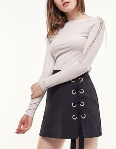 Stradivarius-LACE-UP RIBBED TOP