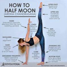 Yoga training to lose weight and belly fat - - How to do the Half Moon pose in Yoga Vinyasa Yoga, Yoga Bewegungen, Sup Yoga, Yoga Moves, Yoga Flow, Ashtanga Yoga, Stretching Exercises, Yoga Meditation, Yoga Fitness