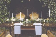 Elegant wedding table: http://www.stylemepretty.com/georgia-weddings/savannah/2014/10/14/simply-southern-savannah-inspiration-shoot-at-the-davenport-museum/ | Photography: Mackensey Alexander - http://mackenseyalexander.com/
